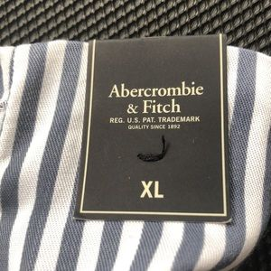 NWT Abercrombie&Fitch Navystripped Shorts w lining